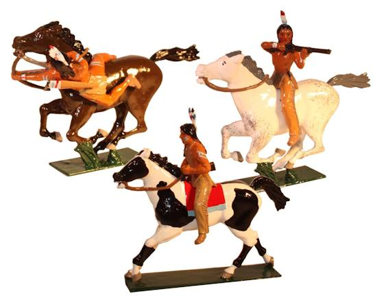 1206 Toy Soldier Set Mounted Indians with Bow & Rifles