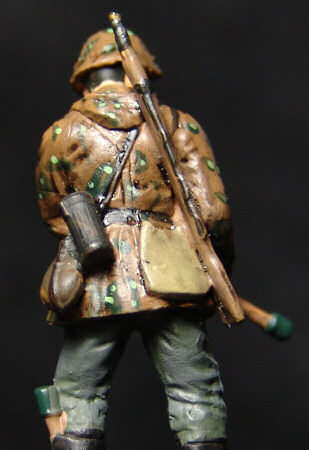 Soldier with grenades (back)
